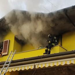 Capizzone, incendio in una villetta Famiglia con tre bimbi fuori casa