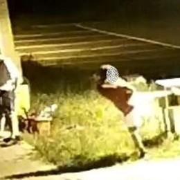 Banda di ragazzini rompe gli idranti Il sindaco di Cisano: ora paghino i danni