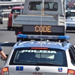 Incidente tra due auto in A4 Tre feriti e code in direzione Milano