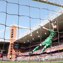 È un super Zapata, prodezza decisiva al 95' Con Muriel l'Atalanta vince. 2 a 1 al Genoa