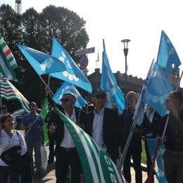 Gruppo Ubi esternalizza i servizi Venerdì protesta in centro a Bergamo