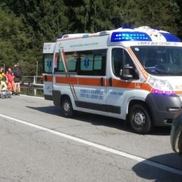 Val Seriana, cade in bici -Foto Elisoccorso in azione a Onore