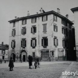 Piazza Nuova, anzi «Mascheroni» In Città Alta l'antico  mercato dei grani