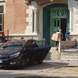 Crolla l'intonaco del soffitto a scuola Dopo Caravaggio, disagi a Treviglio