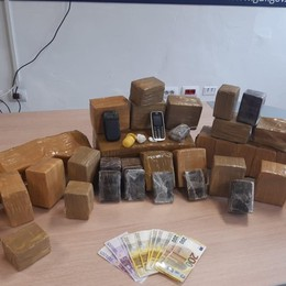In auto 35 kg di droga, in casa 3 mila euro Blitz a Urgnano, arrestato 45enne