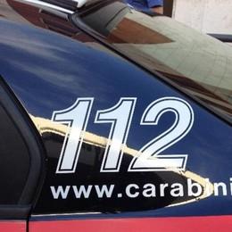 «Se vuoi lasciare l'auto mi devi pagare» Lovere, arrestato parcheggiatore abusivo