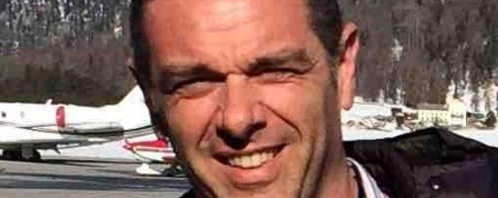 «Stefano, ricorderemo il tuo sorriso» La tragedia aerea, il dolore a Gazzaniga