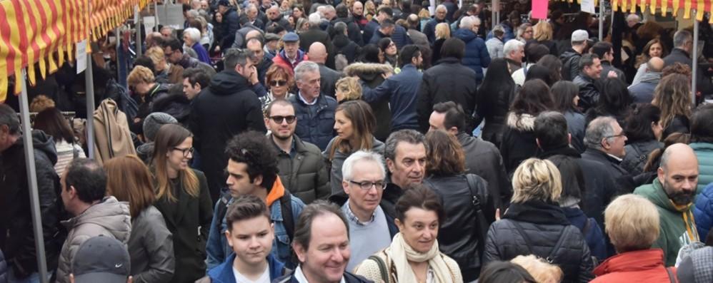 Domenica confermato «Lo sbarazzo» Sul Sentierone sconti dalle 11 alle 20