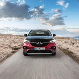 Grandland X Hybrid4 L'ibrido di Opel