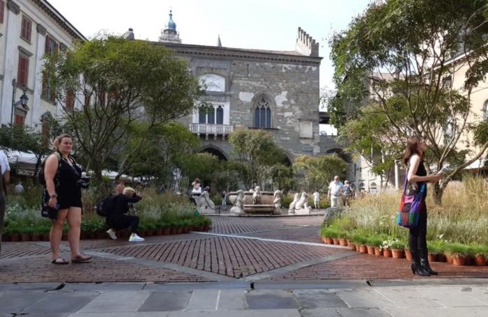 In Piazza Vecchia