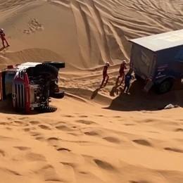 I bergamaschi aiutano  team rivale -Video   Alla Dakar il video dei soccorsi tra le dune