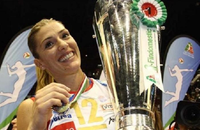 Francesca Piccinini con la maglia della Foppapedretti