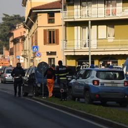 Fuga  in A4 da Palazzolo a Bergamo - Foto Urtano 2  auto a Colognola e si schiantano