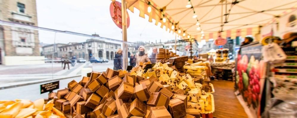 Praline, maxitavolette e tagliatelle al cacao Sentierone, torna la Festa del cioccolato