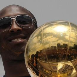 Addio a Kobe Bryant,  leggenda  del basket Schianto in elicottero, morta anche la figlia