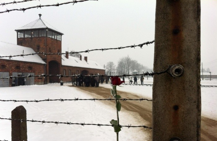 GIORNATA MEMORIA: PROFUMO,PIU' CHE MAI SERVONO TESTIMONIANZE Uno scorcio di Auschwitz-Bierkenau