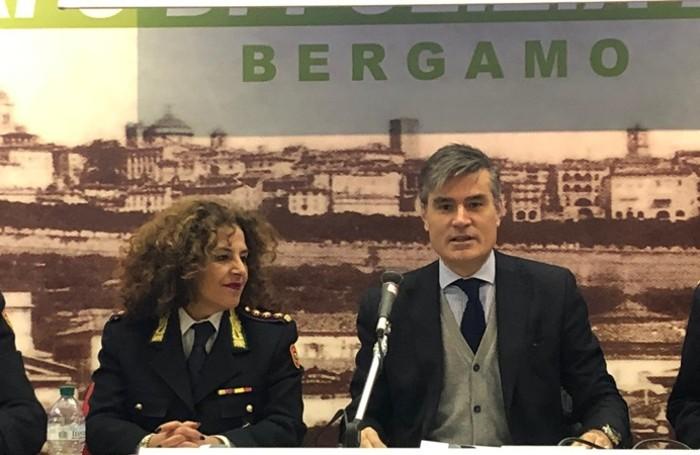 La comandante della polizia locale, Gabriella Messina, e l'assessore alla Sicurezza, Sergio Gandi