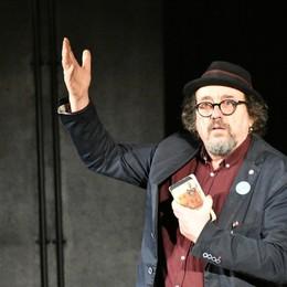 «Ecco perché la poesia è un atto civile  e necessario... non solo a teatro»