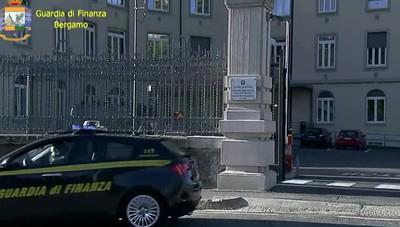 Gdf, Porsche e auto di lusso sequestrate