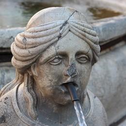 La fontana «malata» finisce sotto i ferri 350 mila euro per restaurare la Contarini