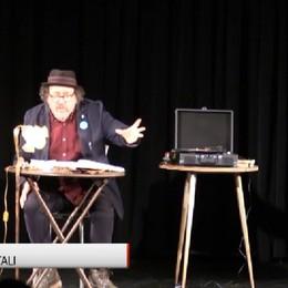 La poesia è un atto civile e necessario Catalano sul palco di Erbamil