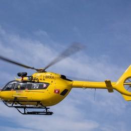 Nel suo primo giorno di lavoro cede il tetto Volo di 4 metri, muratore in ospedale