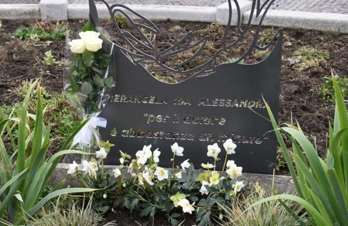 La scultura in ricordo delle vittime