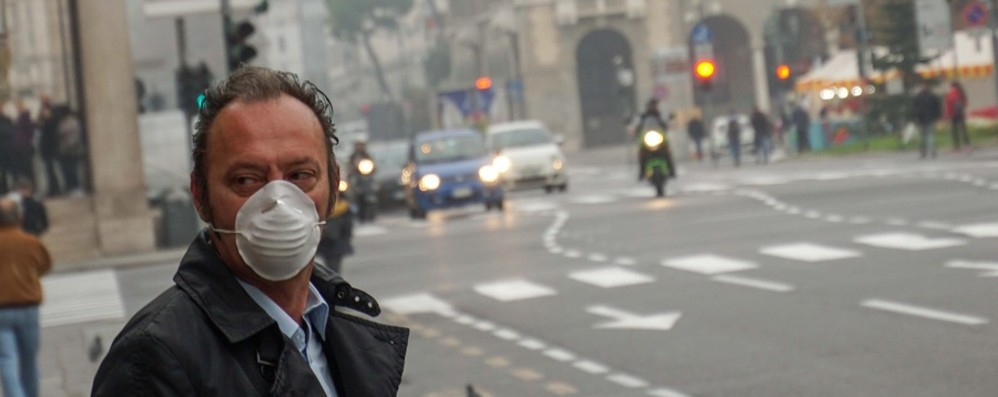 Smog alle stelle a Bergamo Blocco auto? Oggi si decide