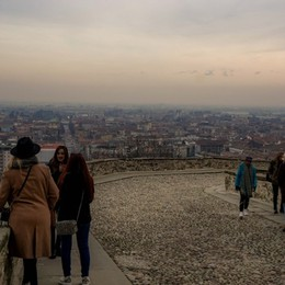 Smog, l'allerta resta ancora alto Avanti con le limitazioni a Bergamo