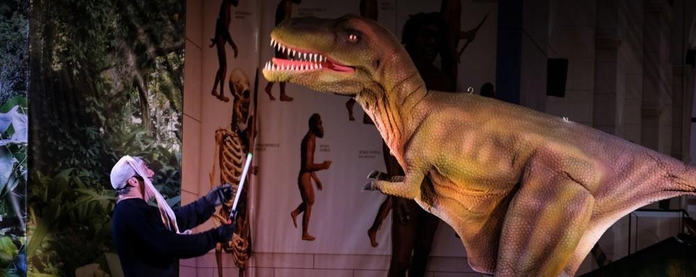 Quattro risate nella preistoria A Boccaleone «Dinosauri vivi»