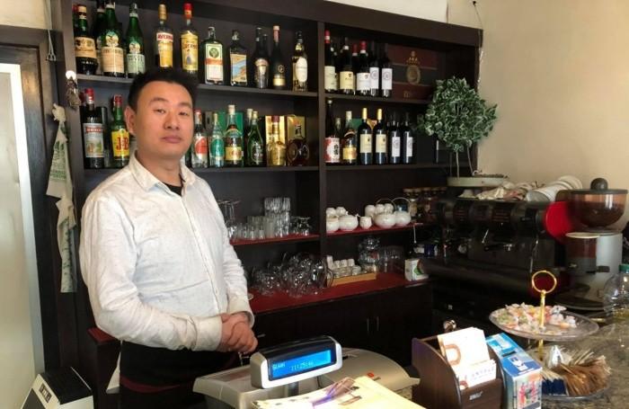 Leonardo, proprietario del ristorante cinese in via Quarenghi