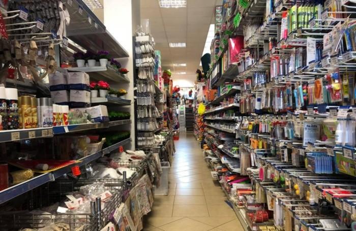 Le corsie vuote nei supermercati cinesi
