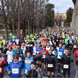 Bergamo, domenica la mezza maratona Gli orari e l'elenco di tutte le strade chiuse