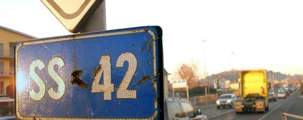 Giunto da sistemare: chiude la statale 42 L'intervento a Zanica, lavori in corso