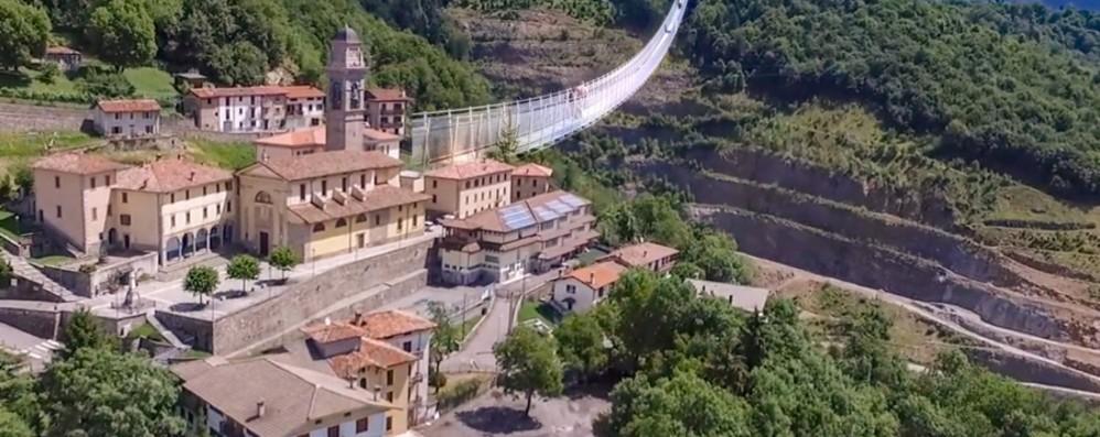 Ponte tibetano e valle del benessere Dossena: un milione dalla Regione