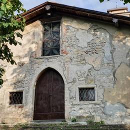 Vandali 14enni a Nembro Pentiti, riparano la chiesa