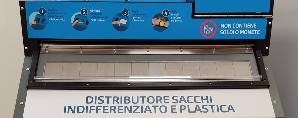 Bergamo, nuova raccolta differenziata Attivi cinque nuovi distributori di sacchi