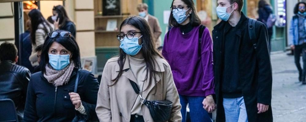 Covid, in Italia quasi 11 mila nuovi casi Oltre 165 mila tamponi, 47 le vittime