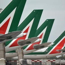 Nuova Alitalia ma il buco resta