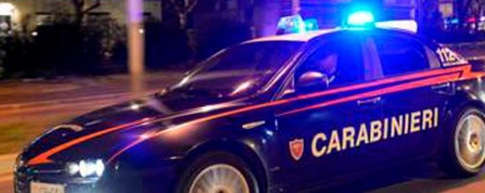 Sequestrano un uomo, poi lo rapinano Romano, arrestati due pregiudicati