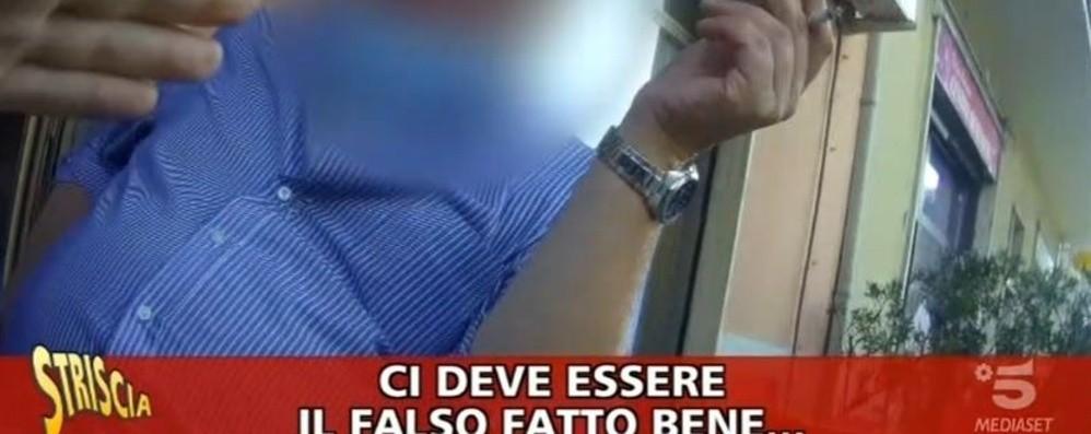 Soldi falsi e denaro delle rapine  A Bergamo arriva «Striscia la Notizia»