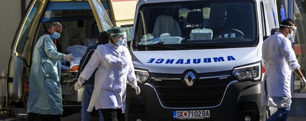 Covid, contagi ancora in aumento Italia: +16.079 nuovi casi, 136 decessi