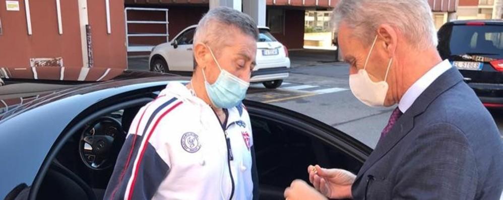 Ha lottato per sette mesi contro il Covid Festa in Polizia: «Simbolo di speranza»