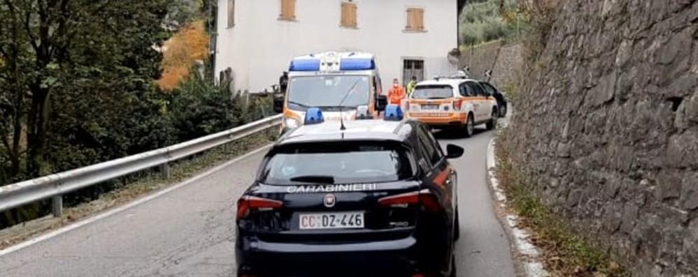 Incidente frontale con un'auto Gandosso, grave ciclista 65enne