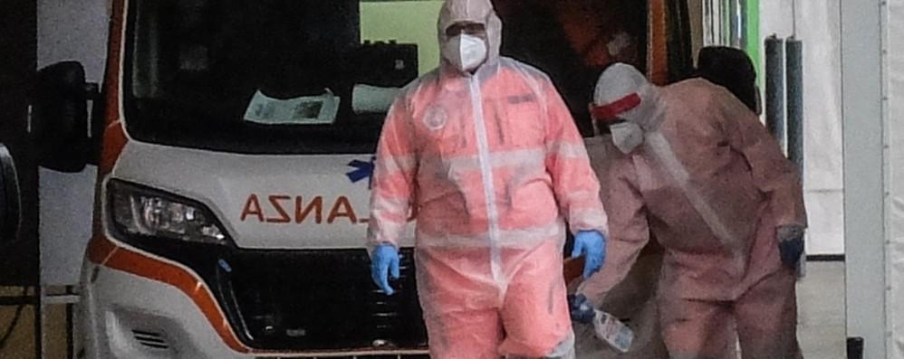 Ricciardi: «Il virus circola tantissimo Lockdown necessario a Napoli e Milano»