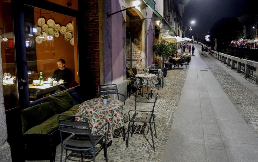 Covid Conte Firma Il Nuovo Decreto Da Lunedi I Locali Chiudono Alle 18 Cronaca Bergamo