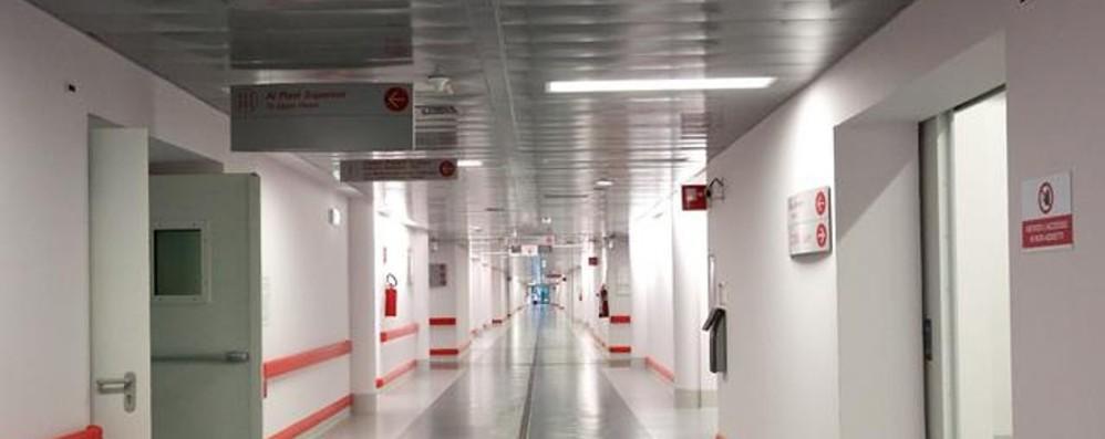 Bergamo, in terapia intensiva un 35enne «Si abbassa l'età dei ricoverati»