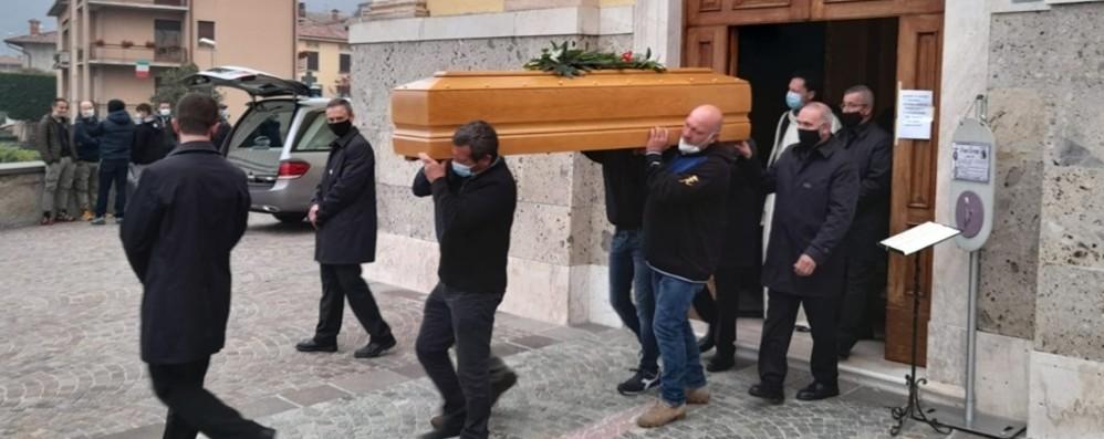 Entratico, l'addio a Ivan Grena «Sarai sempre nei nostri cuori»