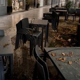 Fontana a Conte: sostegno a chi è più colpito  Confcommercio, per i locali perdita di 860 milioni al mese