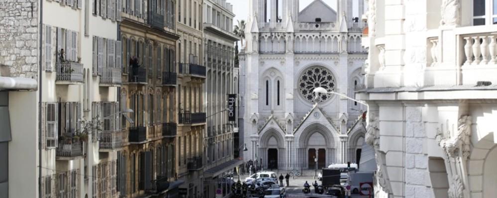 Terrore a Nizza,  tre morti e un ferito grave Francia sotto attacco, arrestato un tunisino